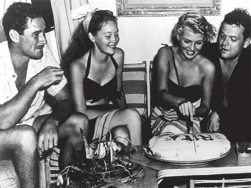 anneyhall:  Errol Flynn and wife Nora Eddington with Rita Hayworth and Orson Welles (via:awesomepeoplehangingouttogether)