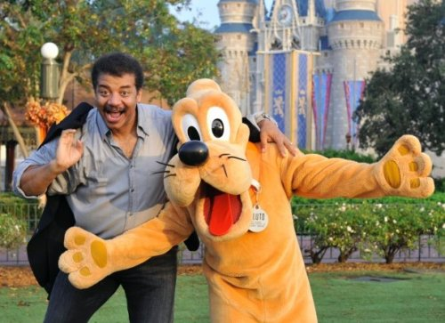 sciencewalrus:  astrolove:  astrolove:  Neil deGrasse Tyson and Pluto.  i love this photo too much.  Hahaha, get it? Pluto? Ha.. ha… ha……