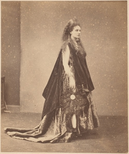 La Reine d'Étrurie (The Queen of Etruria) by Pierre-Louis Pierson (circa 1863-1867)