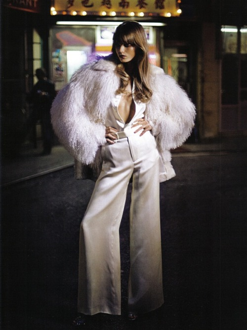 spinningbirdkick:  Yelena Yemchuk / Vogue Italy November 2009.