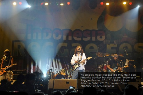 "The Big Mountain - Indonesian reggae festival 2011 : ""One love, one heart"""