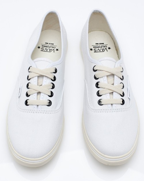 Vans Authentic Lo Pro | Do want, except I know all too well that New York City living would beat these up way too fast.