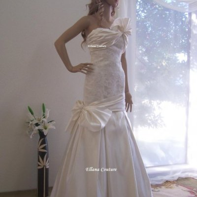 Its Wedding Season Everyone! :) ONE OF A KIND Gorgeous Wedding Dress. by EllanaCouture