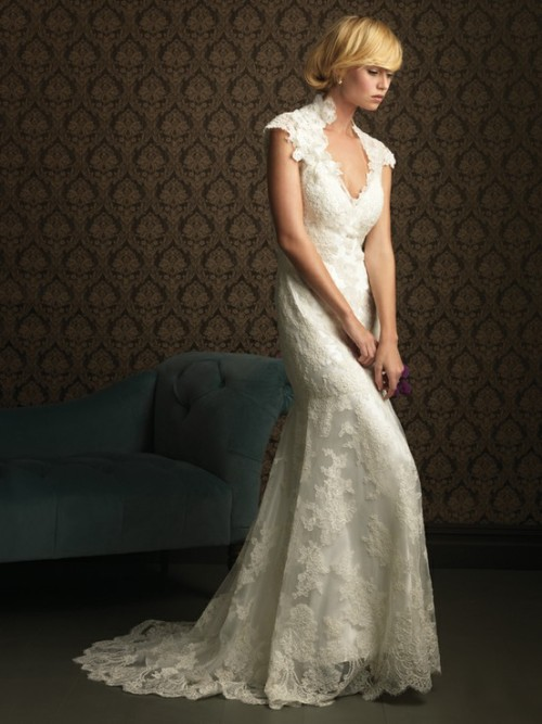 lace wedding dress.  (found here.)
