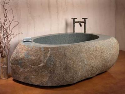 kandiatlantis:  I love this natural stone bathtub. I appreciate the beauty!