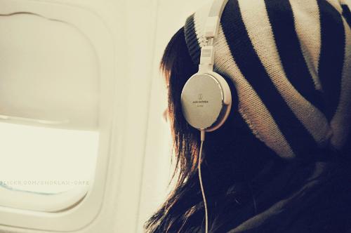 E tem dias que eu não preciso de palavras, só de música.