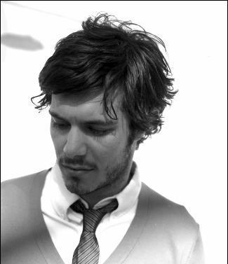 HOTTIE: Adam Brody