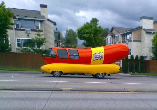 Hey, remember that tweet I made earlier today about the Wienermobile.  Did you think I was lying?  WELL FUCK YOU!  SUCK ON THIS PROOF!!