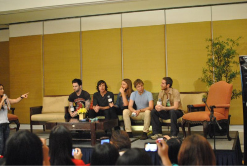 Photo taken at Maroon 5's press conference taken few minutes ago.  Follow http://twitter.com/mymusicph for maroon 5 concert updates happening later