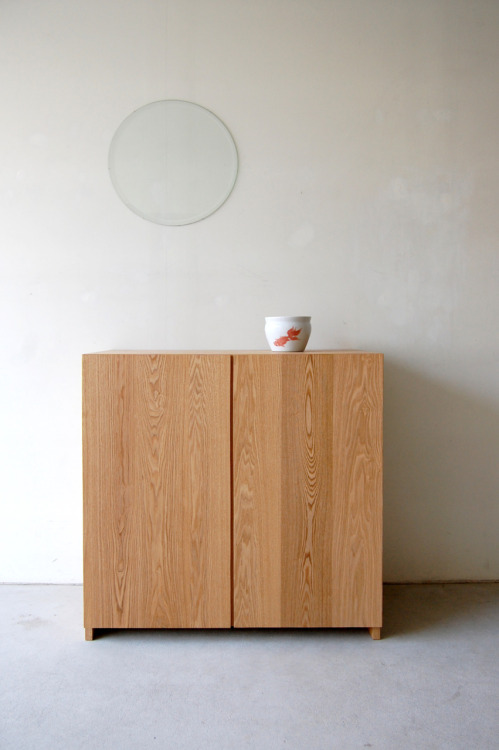 nautdesign:  074 | 01_Resize standard furniture Plate side cabinet : W850 D420 H850 / Solid ash oil finish