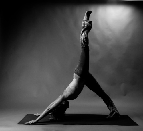 fuckyeahyoga:   If you feel bound, you are bound. If you feel liberated, you are liberated. Things outside neither bind nor liberate you, only your attitude toward them does that.  Sri Swami Satchidananda  ahhhhh this!