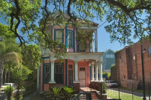 cajunmartini:  Edwardian-style home on Esplanade Ave - New Orleans