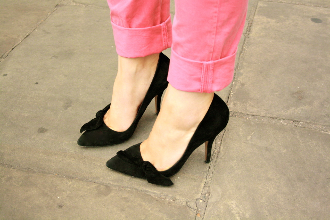 Mondays call for Spring wardrobe fun: Isabel Marant Poppy bow pumps + lolly pink Current/Elliott chinos