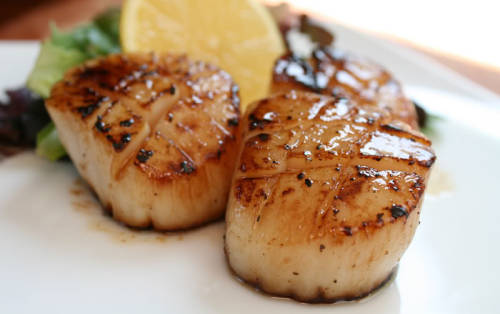 boyfriendreplacement:  Bourbon Maple Scallops