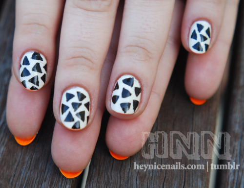 heynicenails:  Nails inspired by these sick ass Marimekko chucks!   I used American Apparel-Cotton and Essie-Bright Tights. You can buy them here: Marimekko for Converse