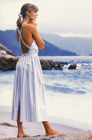 I want this dress. Bad. (via Spring Dresses- 1987 |)