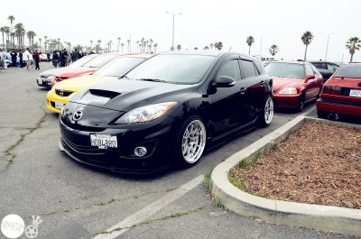 holy 2010! This is the first 2nd gen that ive liked… lip kit+those wheels are perfect.