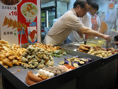 street food in hong kong (by foodiehunter)