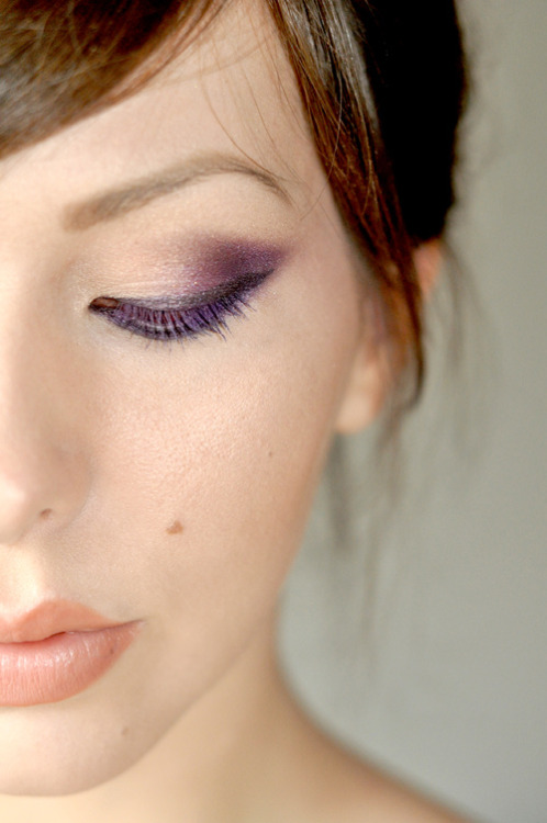 tearfuldreams:  ellemenoh:  (via keiko lynn: Makeup Monday: Inspired by Adele)  i would love for my skin to be this clear one day