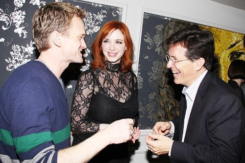 awesomepeoplehangingouttogether:  Neil Patrick Harris, Christina Hendricks and Stephen Colbert.  Three of my favorite people. together. wow