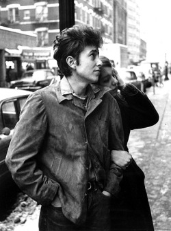 Happy 70th Birthday to BOB DYLAN!!! http://www.rollingstone.com/music/photos/the-evolution-of-bob-dylan-20110509/protest-singer-1962-1964-0881473