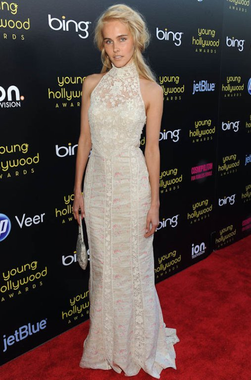 Isabel Lucas in Ralph Lauren RTW Spring 2011 at the Young Hollywood Awards…she always looks so ethereal! (via young hollywood awards)