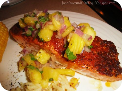cookingloveandlife:  Roasted Spice-Crusted Salmon with Pineapple-Red Onion Salsa - Recipe here :)
