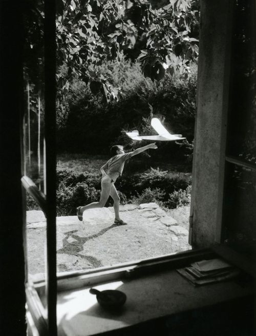 liquidnight:  Willy Ronis Vincent, Model-plane Maker Gordes (Vaucluse), 1952 From Willy Ronis