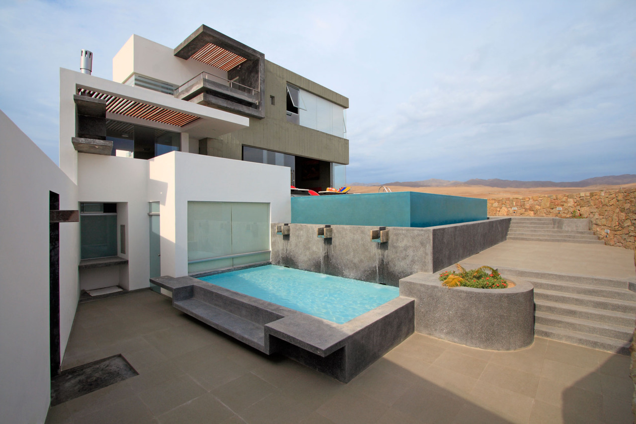 Casa CC Project, Misterio beach - Peru (2010) by Longhi Architects