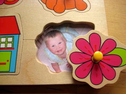 teachpreschool:  (via personalised baby jigsaw | NurtureStore)