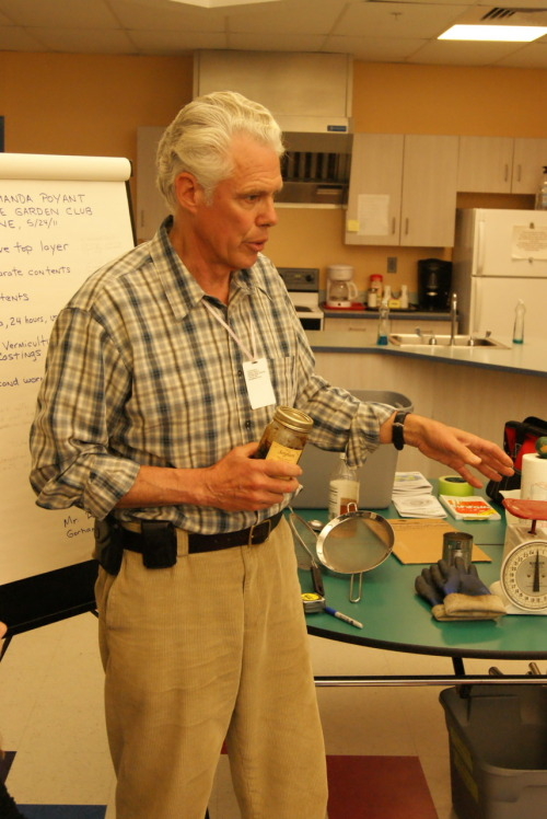 Mr. R, the worm expert from Gorham, Maine explains the makings of worm tea.