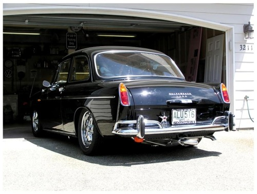 Such a sexy Notchback! Gotta get the scripts and license plate light on Amber's '64 and find those flat tail lights!