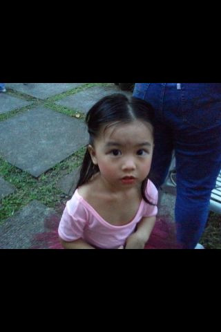 kayeseafish:  Ena cassandra! :)  Why is my child in your blog. She is amazing little dancer yes.