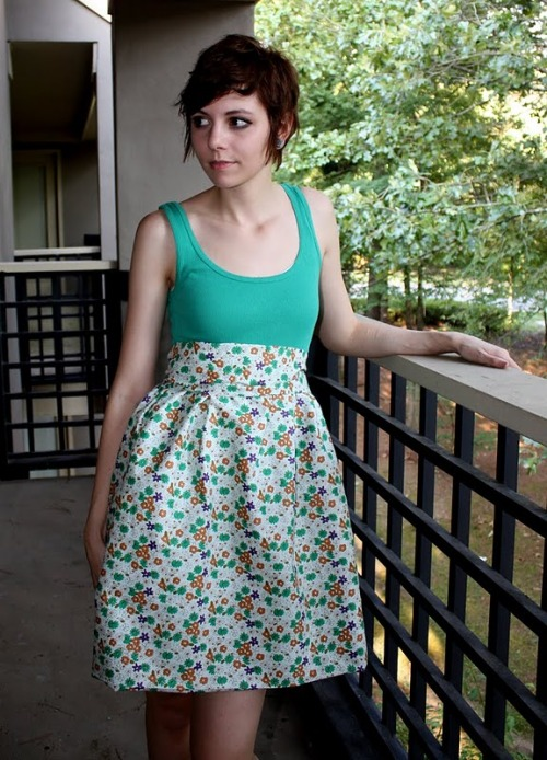 How cute is this DIY Dress for *under $6 (by talk2thetrees). What an awesome deal!