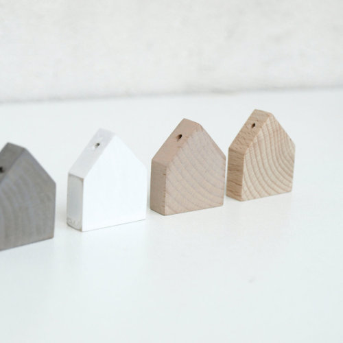 Wooden house pendants from KarolinfelixDream.