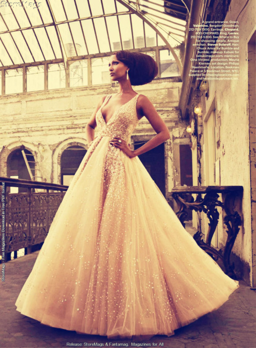 Isn't Iman gorgeous?! I think this would make such a beautiful wedding gown! (image via beautylish, celebpic)