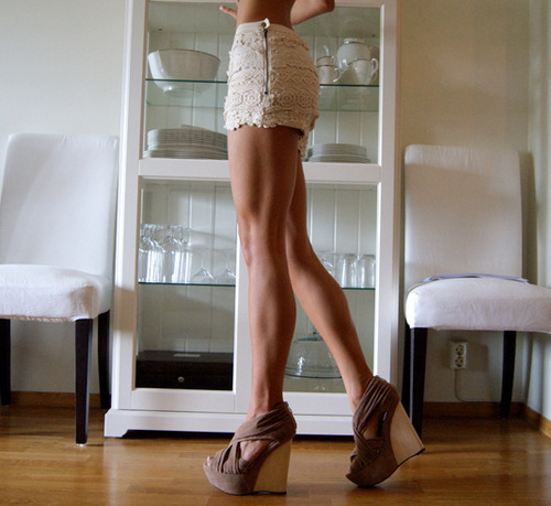 thirsst:  these legs are fucking beautiful!