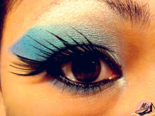 Check out Beautylish user Robin A.'s gorgeous under the sea inspired eyes! Watch this tutorial for a similar mermaid eye look!