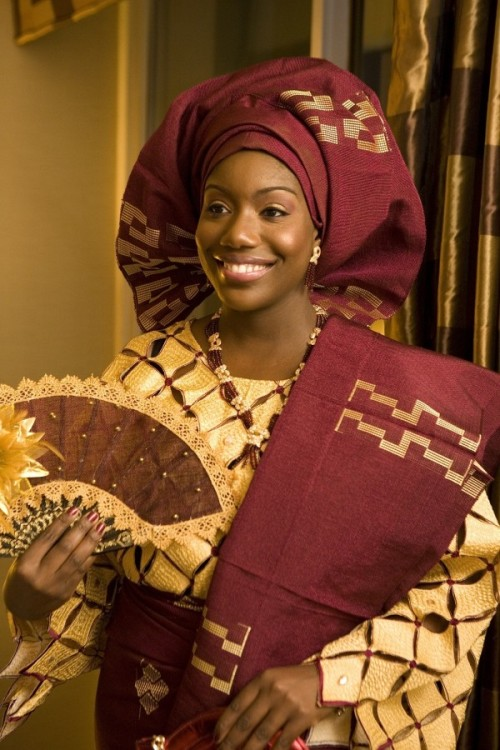 iheartnigeria:  NIgerian Wedding  always love Nigerian clothes design…