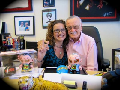Stan Lee & Artist Denise Vasquez with her custom Stan Lee Munny's she created at POW Entertainment