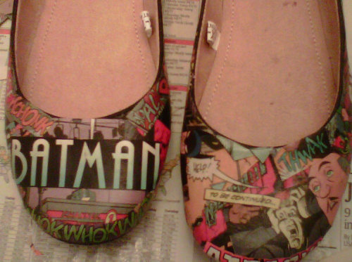 Batman Comic Book Flats (by cutoutandkeep). I'm not a comic book reader but you can alway swap the comic book theme for maybe something you find in a magazine. They look pretty awesome though!