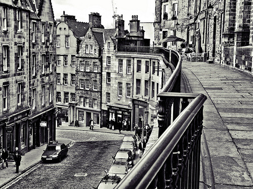 banana-stand:pinmywings:Victoria Street, EdinburghLove Edinburgh! The way I miss Scotland, and my family there, is unlike the way I miss anything else about Europe.