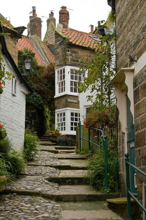 alpenstrasse:  Robin Hoods Bay ~ North Yorkshire