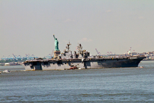 andytdickinson:  USS IWO JIMA ARRIVING IN NY HARBOR FLEET WEEK 2011 on Flickr. Fleet Week has arrived!  I had the pleasure of seeing this majestic ship pull into NY Harbor yesterday from the Brooklyn Heights Promenade.  Please submit your photos to my Flickr group : http://www.flickr.com/groups/fleetweek2011/