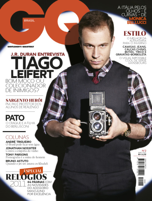 Cover for the second issue of GQ Brasil (April 2011). Styling inspired in Tintim, photographed by J.R.Duran.  I enjoyed the result, the construction of the elements resulted in a strong and unusual cover. Tiago Leifert was great at the photo-shooting, althought he is not an actor or model, he was very natural and confident.