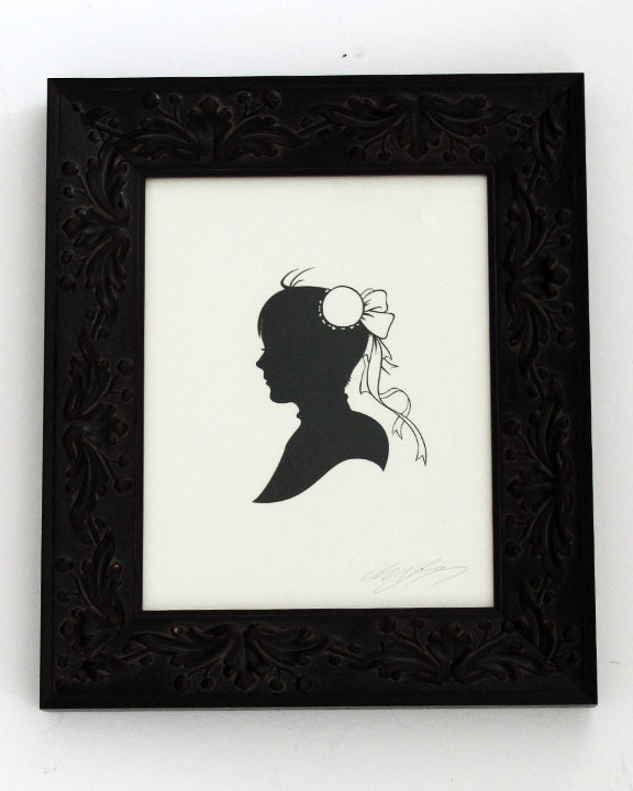 Chun-Li by Olly Moss I recommend taking a look at the rest of the Papercuts show HERE.