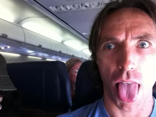 "And now I bring you to another edition of Reasons to Love Steve Nash:  When tweets this picture with ""Southwest bitch"" as the caption"