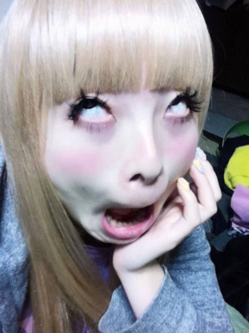 ponylegs:  my favorite picture of kyary. ever.