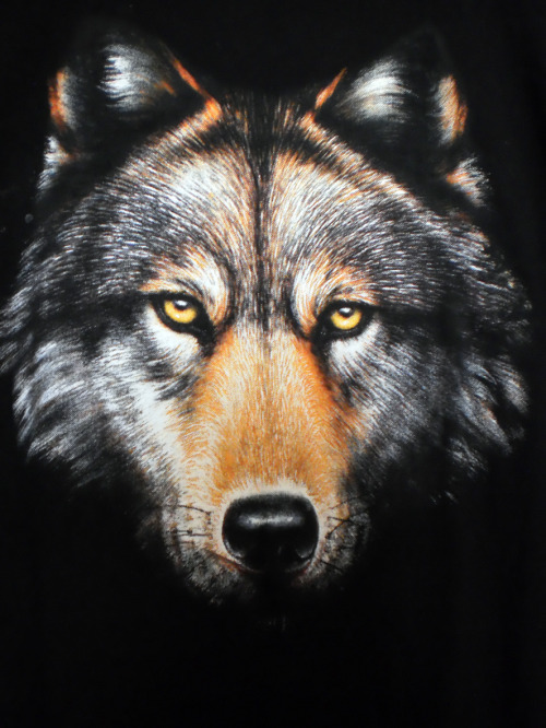 Tee shirt noir vintage tête de loup SOLD OUT Vintage  Bon état. Buy it Now : 10 Euros (+Shipping). Excellent achat! Click here or in the picture to buy it. For more details and photos: blanchemrkt@gmail.com