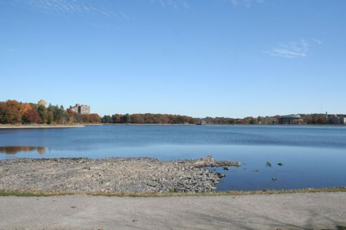 Going for a run around the Chestnut Hill Reservoir :) Total run: about 3.5 - 4 miles. My new favorite place to run! Gotta take advantage of this sunny weather before work today! <3